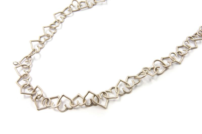 Dorien de Jonge - Zilveren even hartvormig collier - 3K03