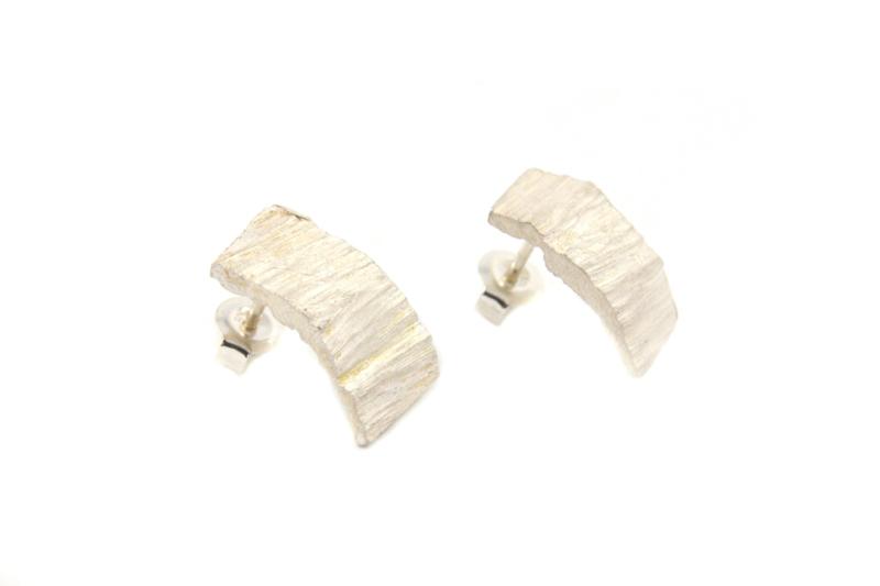 Maja Lava - Zilveren oorstekers met relief - 10930
