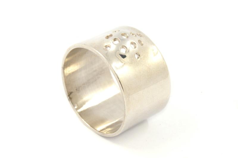 Galerie Puur - Ring zilver met gaatjes - 9760