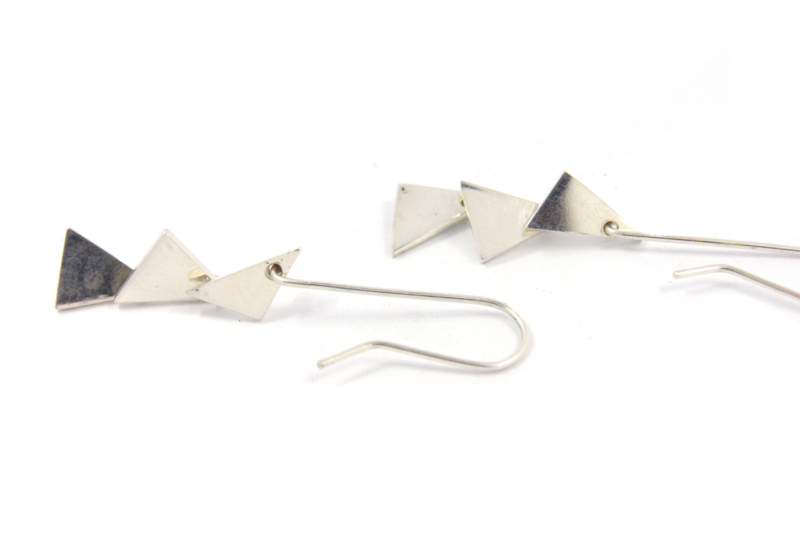 Galerie Puur - Oorhangers zilver driehoek - 11305