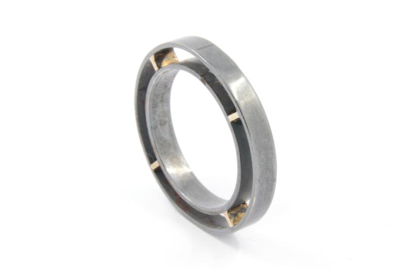 Galerie Puur -  Gezwart zilver met geelgoud - 9729