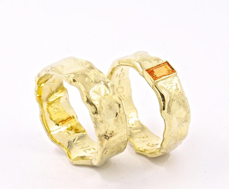 Trouwring  Molten Gold Orange Sapphire
