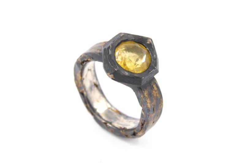 Hans van der Leen - Ring gezwart zilver met geel beryl - 11338