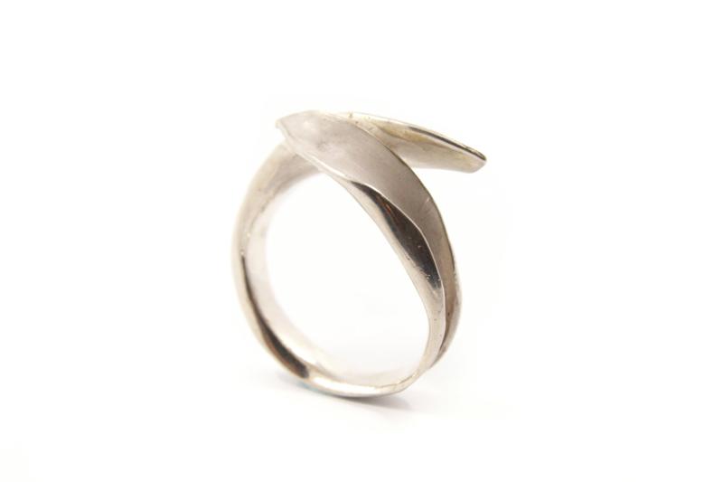 Maja Lava - Zilveren blad ring - 10933