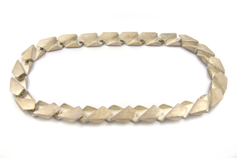 Janneke de Bruin - Zilveren schakel collier - 10458