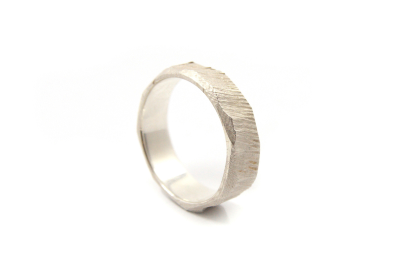 Maja Lava - Zilveren structuur ring bewerkt - 10928