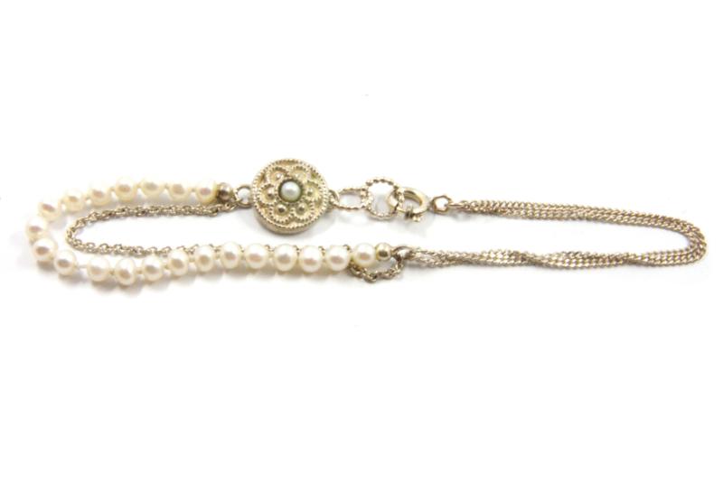 Hester Zagt - Fijne armband met parels en zilveren details - 10091