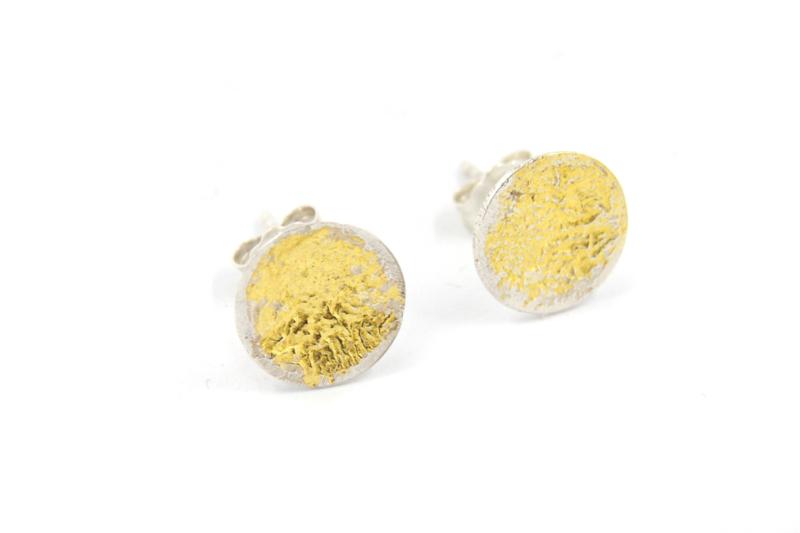 Lesley Zijlstra - Zilveren oorknopjes met bladgoud - 10369