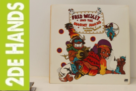 Fred Wesley And The Horny Horns Feat. Maceo Parker ‎– A Blow For Me, A Toot To You (LP) C40