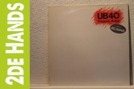 UB40 - Present Arms (LP) C40