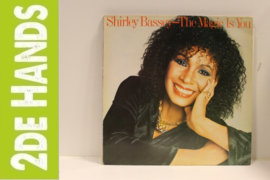Shirley Bassey ‎– The Magic Is You (LP) A90