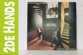 Manfred Mann`s Earth Band - Angel Station (LP)  J30