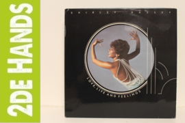 Shirley Bassey ‎– Love, Life And Feelings (LP) D40