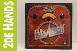 Gallagher & Lyle ‎– Love On The Airwaves (LP) B70