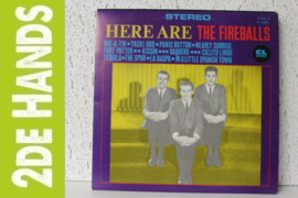 The Fireballs ‎– Here Are The Fireballs (LP) B30
