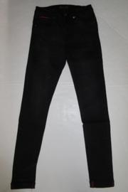 Jeans zwart Toxik3 H2442 Rood stiksel pijp en zak