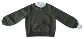 Sweater groen met kantje en parels