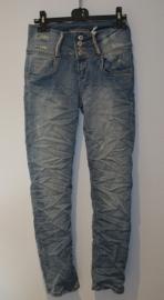 Jeans met glittertjes riembandjes