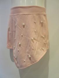 Short zalm/roze met studs
