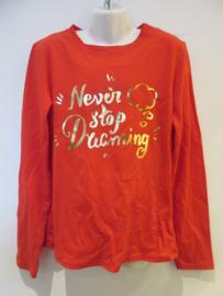 Longsleeve rood Never stop dreaming