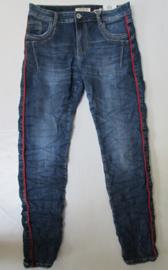 Karostar Jeans blauw met dunne rode bies
