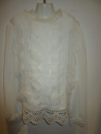 Blouse off white kant met roes