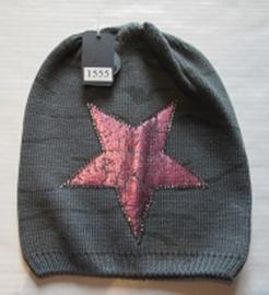 Muts grijs met roze ster