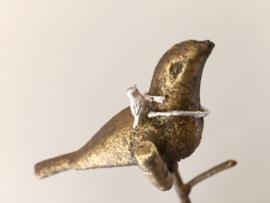 Mooie zilverkleurige ring met vogeltje