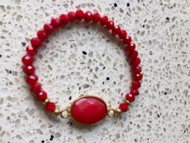 SALE - Armband van rode facetkralen met rode edelsteen van jade
