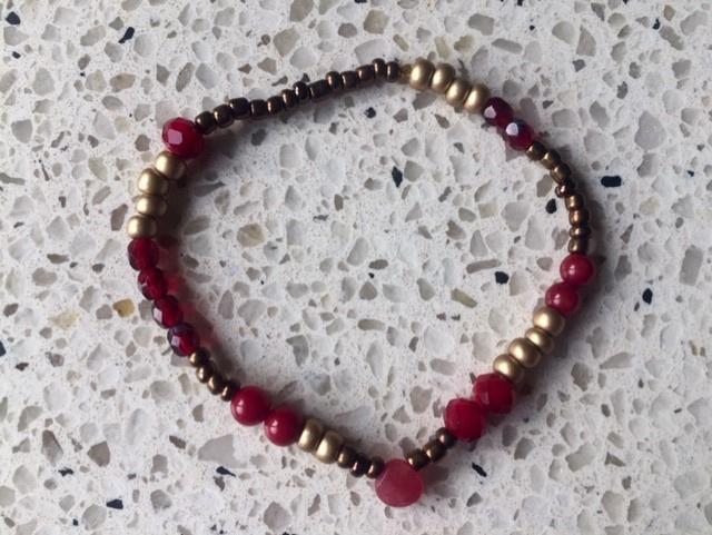 NIEUW - Armband met jade en bloedkoraal