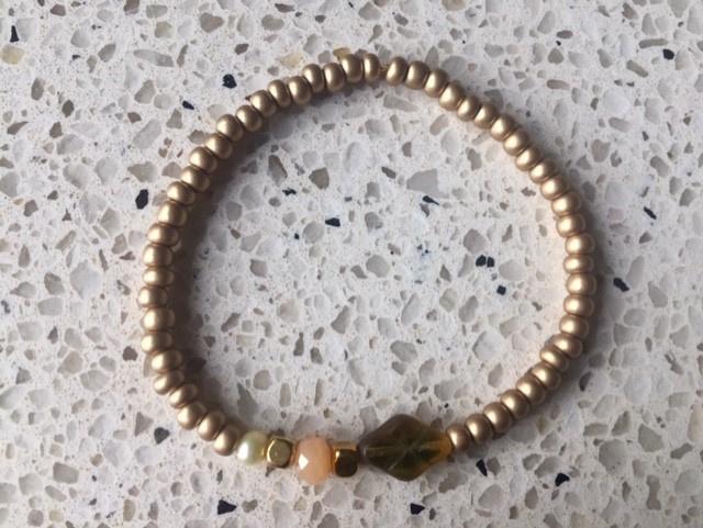 SALE - Armband in goud-/wit-/bruin-/zalmtinten