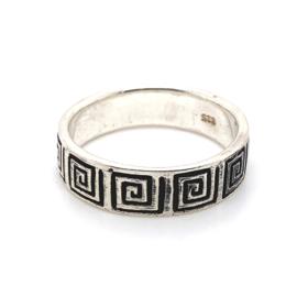 Zilveren ring geoxideerd mt 22,5en 22,75 x 7 mm