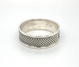 Zilveren ring geoxideerd mt 17 - 21,25 x 8 mm