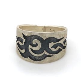 Zilveren ring geoxideerd mt 19,25 x 13 mm