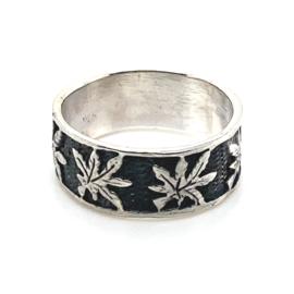 Zilveren ring wietblad mt 16,25 - 19x 7,5 mm
