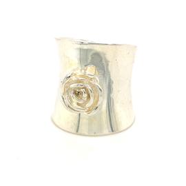 Zilveren ring roos mt 17 en 18  x 25 mm