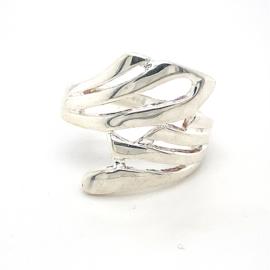 Zilveren ring vrije vorm mt 18,75 x 30 mm
