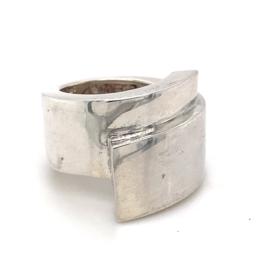Zilveren ring vrije vorm mt 16,5 x 22 mm