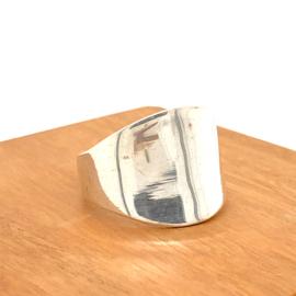 Zilveren ring ovaal mt 23,5 x 20 mm