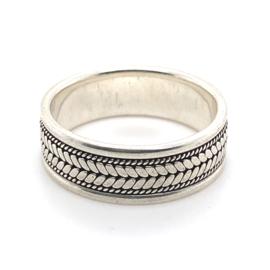 Zilveren ring geoxideerd mt 21,25 x 7,5 mm
