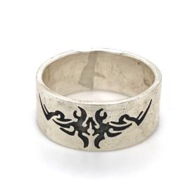 Zilveren ring tribal geoxideerd mt  20 - 21 x 10 mm