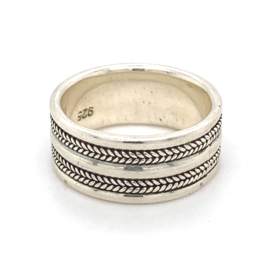 Zilveren ring geoxideerd mt 17,25 x 10 mm