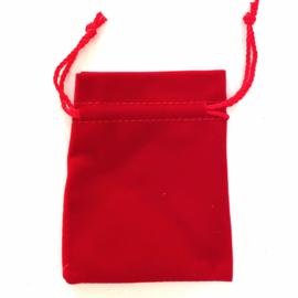 Cadeauverpakking: rood fluwelen zakje 95 x 115 mm