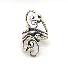 Zilveren ring vrije vorm geoxideerd mt 17 x 34 mm