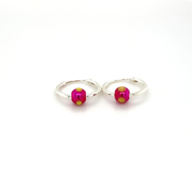 Zilveren oorringen  met roze balletje