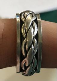 Zilveren ring geoxideerd draaibaar mt 17 - 20,5 x 8,5 mm