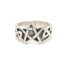 Zilveren ring pentagram mt 17,75 x 13 mm