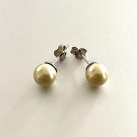 Zilveren oorknoppen parel geel 7 mm
