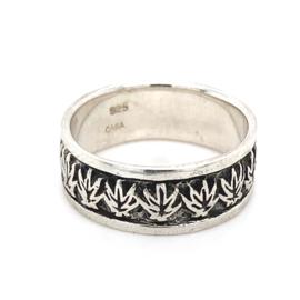 Zilveren ring wietblad mt 19,75 x 8 mm