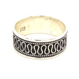 Zilveren ring geoxideerd mt 20,5 x 8,5 mm